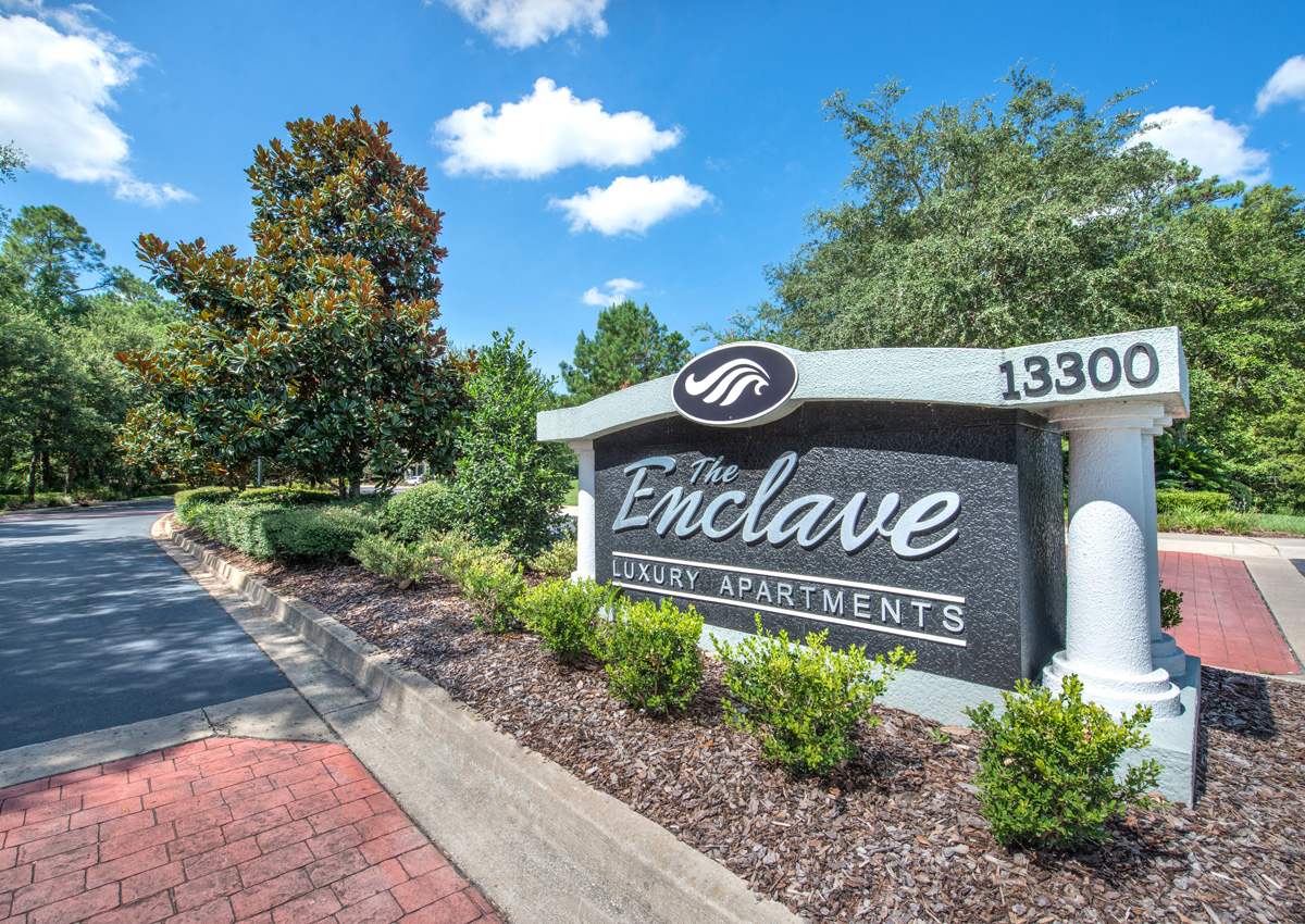 enclave-entrance-in-jacksonville