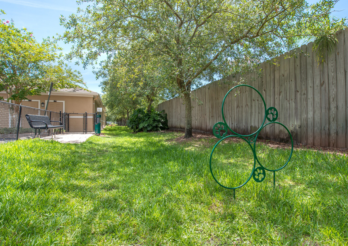 dog-run-and-park-jacksonville-florida-apartment