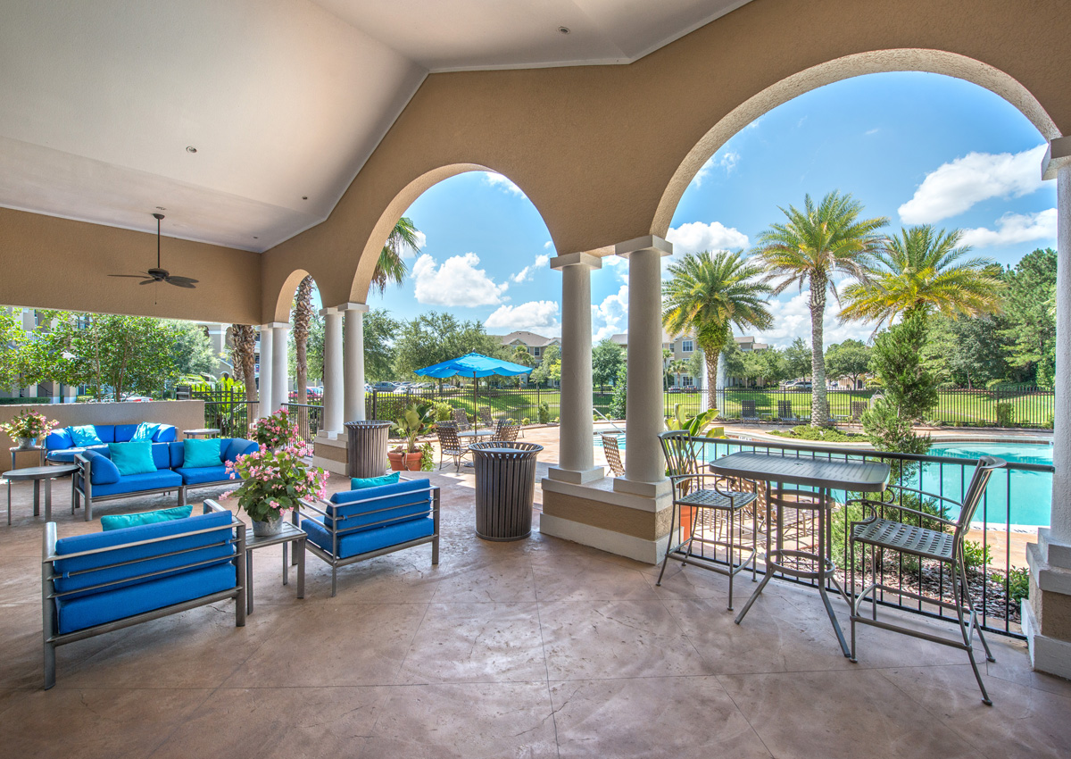 jacksonville-luxury-apartment-covered-patio